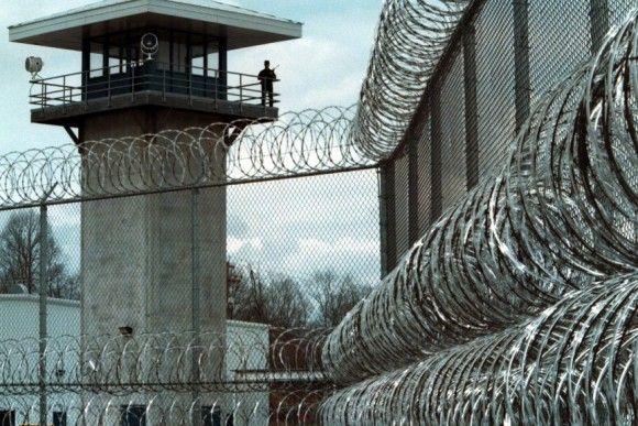 【画像あり】刑務所で正月に出て来る食事がこちらwwwww