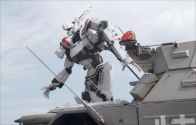 【警察24時】千葉で勃発したショベルカーを使った親子喧嘩が話題に! パトレイバーでもこんな親子喧嘩あったな