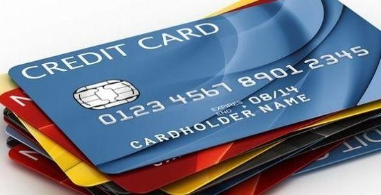 【驚愕】スーパーで男性客「クレジットカードを受け取るのに、片手で受け取るな!」と2時間大声で抗議wwwww