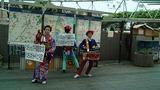 千葉駅前ではちんどん屋が演じていたのでしばし観覧