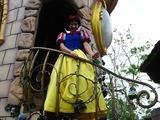 私の永遠の恋人白雪姫が投げキッスに反応してくれ
