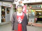 十和田湖湖畔はたえまなく演歌が流れている・・そして奇妙な像も・・