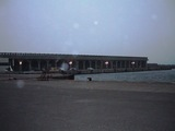 時代を感ずる重厚な作りの稚内港桟橋