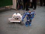 大阪大学産業科学研究所の大迫力多足ロボに欧米か