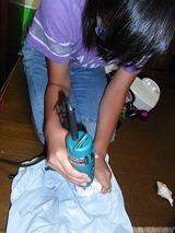 下の娘が熱海で貝殻を拾ってきた、夏休みの工作のネタ
