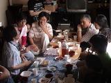 昼食を食べながら皆でディスカッション。牛丼で勘弁。