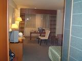 ホテルAUシングルなのにとても広い部屋に感動