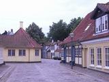 アンデルセンの生家の町並みは結構駅の近くだった。