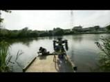 釣りのシーン3勢い余って前にこけるレトロしかし・・