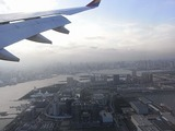 お台場上空、金曜日はアクアシティーでTINYWAVEの体験操縦を