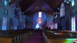被爆後再建された浦上天主堂内部は荘厳であった。