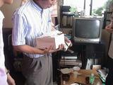 韓国では人間国宝級の陶芸家による茶碗を頂く。