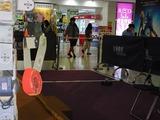 「RoboLife」使用の番犬ロボが会場内を探検中