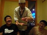 ソウルで最も有名な日本料理店で二度目の夕食、シェフが挨拶に来た。