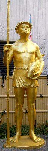 黄金の河童像