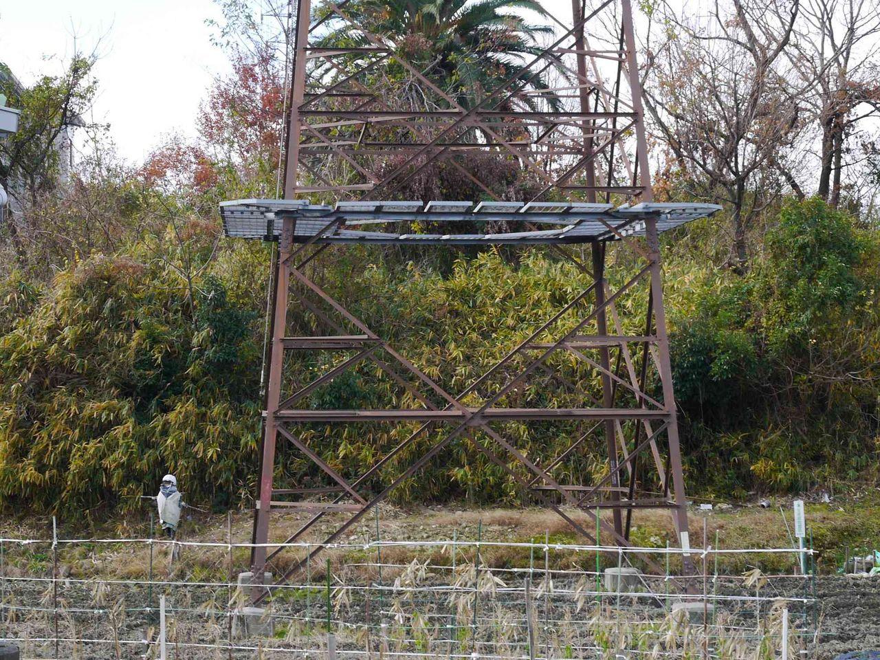 高槻市の歴史クイズ その3 岡本町のこの小さな古墳は何古墳? すぐ近く ...