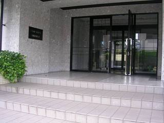 サンライフ高峰玄関