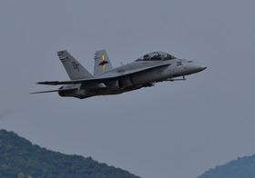 F18-2_00002