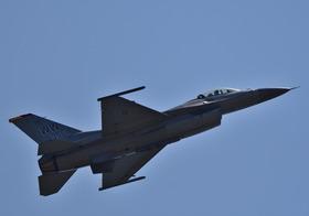 F16-9_00007