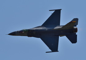 F16-11_00009