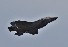 F35-1_00001