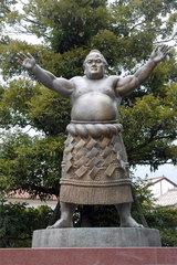 琴桜の銅像(倉吉市)