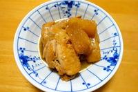 1712 鶏手羽と大根の煮物 A