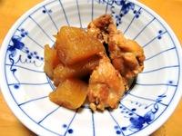 1610 鶏と大根の煮物 A