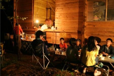 2777キャンプ夜子供