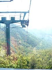 泰山に登るロープウェイ