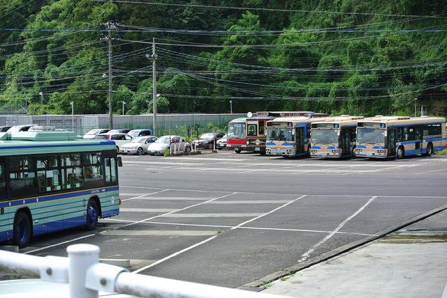 仙台にやってきた横浜市営バス : 高速バスの庭