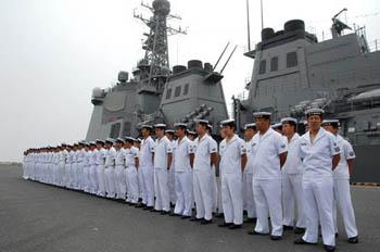 あれは日本版の統営艦なのか? 経済的に困難だからと言ってもイージス艦でイカ釣りなんて… by 韓国の反応
