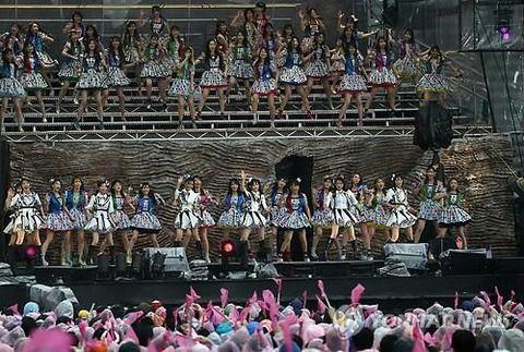 【韓国の反応】日本の裁判所、「恋愛禁止」の契約違反アイドルに賠償判決