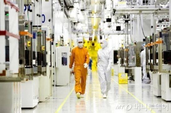 日本メディア「韓国産フッ化水素の品質は日本製より落ちる‥」韓国の「脱日本」はまだ成功した訳では無い 韓国の反応