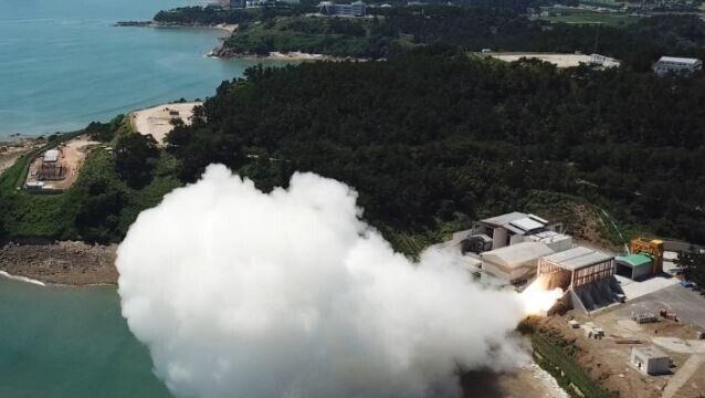 【祝】韓国が7大宇宙強国に!ロケット用固体エンジンの燃焼試験に成功し、2024年の宇宙船打ち上げへ! 韓国の反応