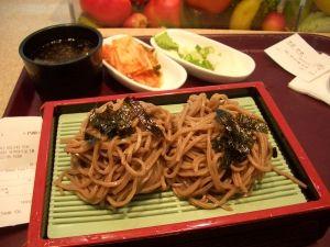 【起源】 韓国人「日本に影響を与えた韓国の食べ物は?」「味噌、うどん、海苔巻き、豆腐、お好み焼き、焼き肉」 韓国の反応