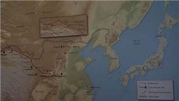 【VANK】 万里の長城が韓半島までのびた地図、ロサンゼルスで展示~バンク団長「対策が必要」[08/30] [無断転載禁止]©2ch.net