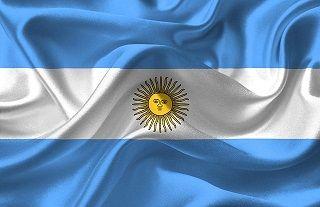 中国、通貨危機のアルゼンチンに接近