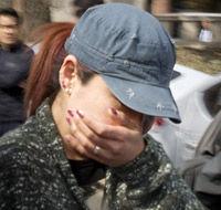【韓国】売買春男女を処罰する法律に合憲判断、売春女性は無念の涙[04/01]