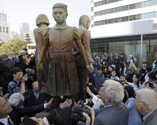 【話題】マイケル・ヨン氏「韓国と中国による慰安婦のペテンが続く」