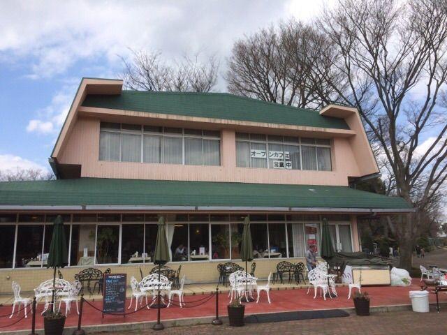 レストラン緑屋の外観