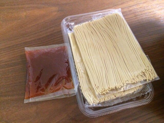 木久扇ナポリタンの中身は麺とソース
