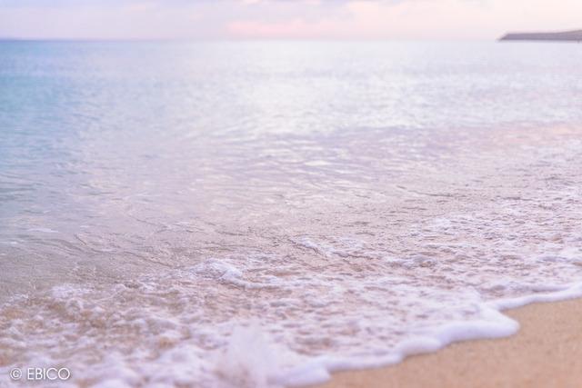 波が奏でる優しい音に心癒されて【沖縄・サンセットビーチ】