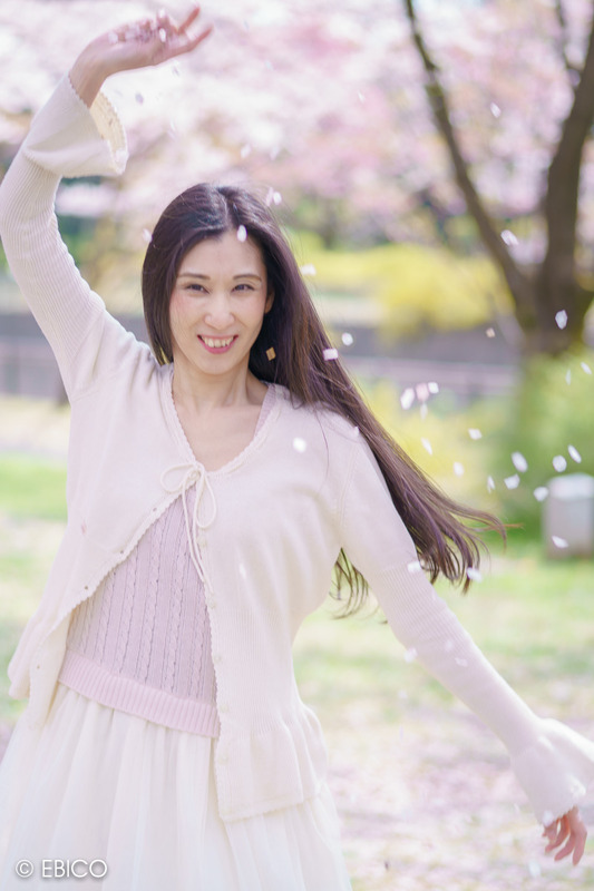 華の舞う季節【モデル:和田晶子さん】