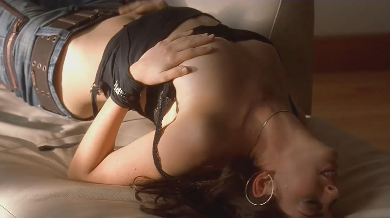 アンハサウェイ 乳首