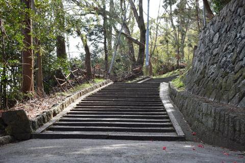 石段の曲がり角