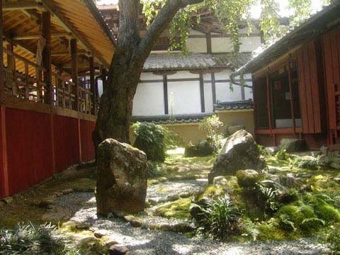 三方普感の庭-御殿側