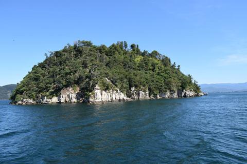 竹生島-南側