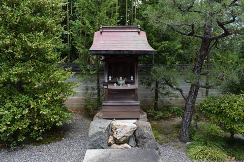 遍照寺-八幡社