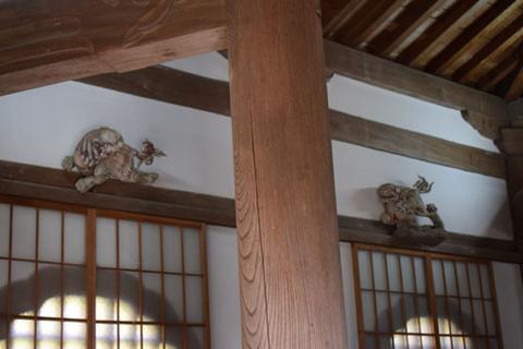 経堂-彫刻